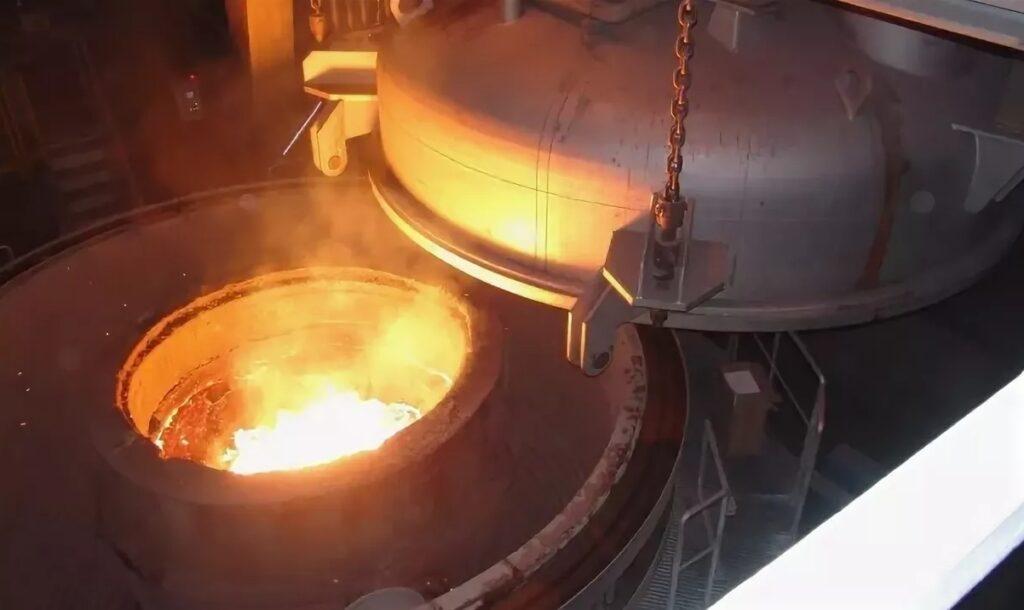 МС-200 включен в состав газоаналитического комплекса для контроля газовой фазы процесса вакуум-кислородного обезуглероживания фото